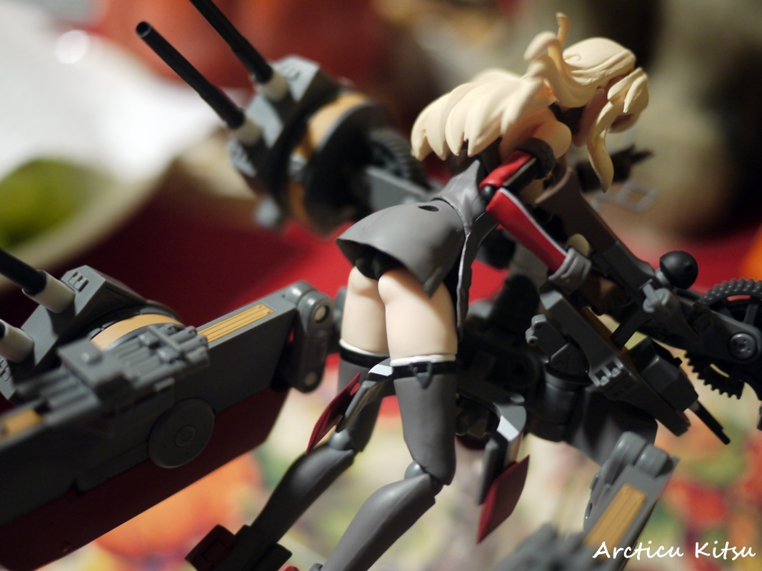 - An image I had to take after proof-reading that Bismarck does indeed have lovely ass cheeks. Lovely little ass cheeks to poke at. Not to come off as perverted, yet it is a nice little cute touch. Adds that neat detail to the figure.